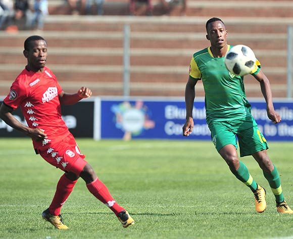 Divine Lunga of Golden Arrows challenged by Lindokuhle Mbatha of Highlands Park during the Absa Premiership 2018/19 match between Highlands Park and Golden Arrows at Makhulong Stadium, Johannesburg on 16 September 2018 ©Samuel Shivambu/BackpagePix