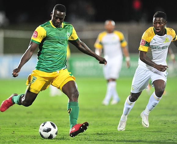 Limbikani Mzava of Golden Arrows challenged by Phakamani Mahlambi of Mamelodi Sundowns  during the Absa Premiership 2018/19 match between Golden Arrows and Mamelodi Sundowns at Princess Magogo Stadium, Durban on 19 September 2018 ©Samuel Shivambu/BackpagePix