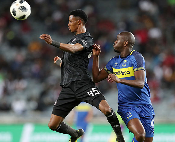 Vincent Pule of Orlando Pirates challenged by Kwanda Mngonyama of Cape Town City during the Absa Premiership 2018/19 match between Orlando Pirates and Cape Town City at the Orlando Stadium, Soweto on 19 September 2018 ©Muzi Ntombela/BackpagePix
