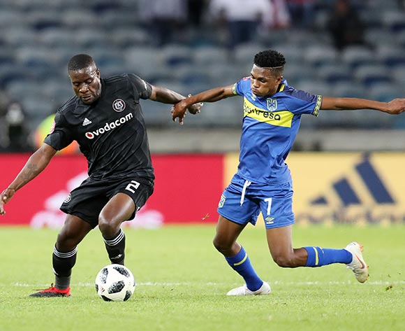 Gift Links of Cape Town City challenges Ntsikelelo Nyauza of Orlando Pirates during the Absa Premiership 2018/19 match between Orlando Pirates and Cape Town City at the Orlando Stadium, Soweto on 19 September 2018 ©Muzi Ntombela/BackpagePix