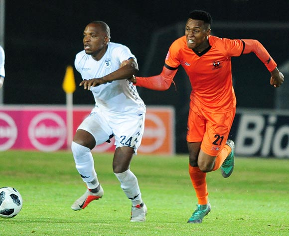 Gift Motupa of Bidvest Wits challenged by Sammy Seabi of Polokwane City during 2018 Absa Premiership match between Bidvest Wits and Polokwane City at Bidvest Wits Stadium in Johannesburg ,South Africa on 21 September 2018 ©Aubrey Kgakatsi/BackpagePix