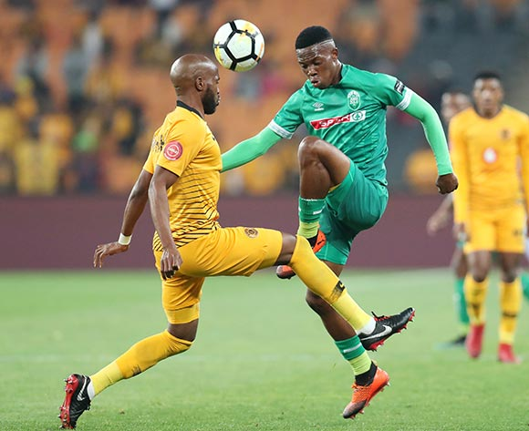 Sibusiso Mabiliso of AmaZulu challenged by Ramahlwe Mphahlele of Kaizer Chiefs  during the Absa Premiership 2018/19 match between Kaizer Chiefs and AmaZulu at the FNB Stadium, Johannesburg on 22 September 2018 ©Muzi Ntombela/BackpagePix