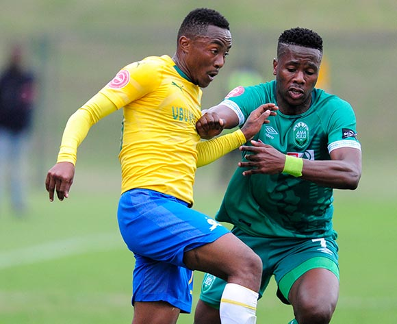 Bonginkosi Ntuli of AmaZulu FC tries to get the ball from Lebohang Maboe of Mamelodi Sundowns FC during the Absa Premiership 2018/19 game between AmaZulu and Mamelodi Sundowns at King  Zwelentini Stadium on 15 September 2018 © Gerhard Duraan/BackpagePix