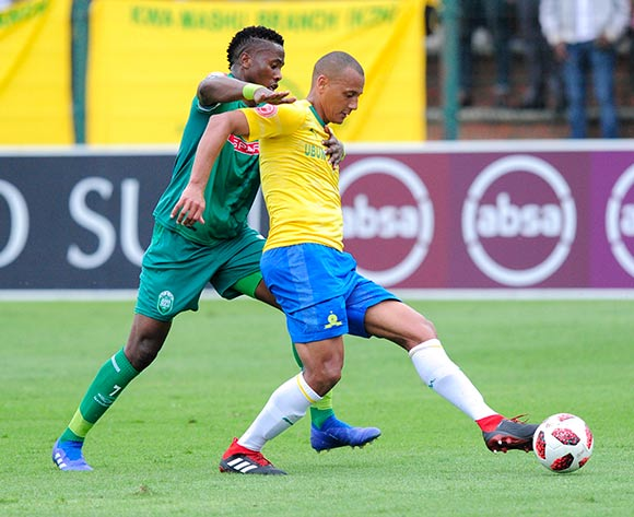 Bonginkosi Ntuli of AmaZulu FC puts pressure on Wayne Arendse of Mamelodi Sundowns FC during the Absa Premiership 2018/19 game between AmaZulu and Mamelodi Sundowns at King  Zwelentini Stadium on 15 September 2018 © Gerhard Duraan/BackpagePix