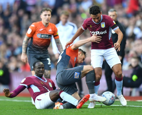 WATCH: Ghanaian Albert Adomah & Egyptian Ahmed El Mohamady lead Villa to victory