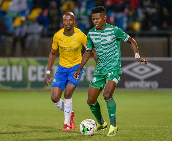 Menzi Masuku of Bloemfontein Celtic and Tebogo Langerman of Mamelodi Sundowns during the Absa Premiership 2018/19 game between Bloemfontein Celtic and Mamelodi Sundowns at Dr Molemela Stadium in Bloemfontein on 03 October 2018 © Frikkie Kapp/BackpagePix