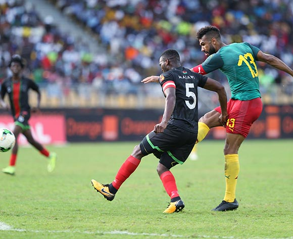Eric Choupo-Moting of Cameroon shoots past John Lanjesi of Malawi during the 2019 Afcon qualifying football match between Cameroon and Malawi at the Hamadou Ahidjo Stadium in Yaounde, Cameroon on 12 October 2018 ©Alain Suffo/BackpagePix