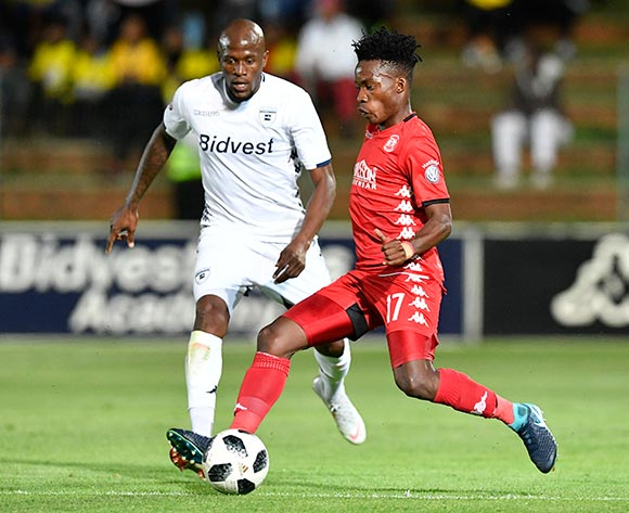 Thabo Motlafi of Highlands Park challenged by Sifiso Hlanti of Bidvest Wits during the Absa Premiership 2018/19 match between Bidvest Wits and Highlands Park at the Bidvest Stadium, Johannesburg on 26 October 2018 ©Muzi Ntombela/BackpagePix