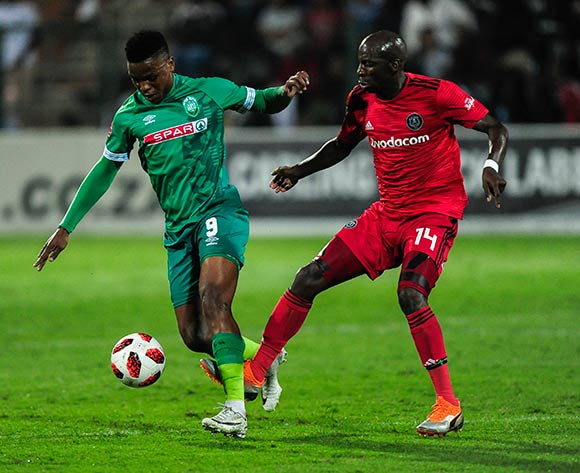 Musa Nyatama of Orlando Pirates has a foot in the defence on Mhlengi Cele of AmaZulu FC during the Absa Premiership 2018/19 game between AmaZulu and Orlando Pirates at King Zwelithini Stadium, Durban on 6 October 2018 © Gerhard Duraan/BackpagePix