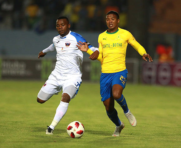 Andile Mbenyane of Chippa United and Lyle Lakay of Mamelodi Sundowns during the Absa Premiership 2018/19 match between Chippa United and Mamelodi Sundowns at Sisa Dukashe Stadium,Mdantsane,East London on 27 October 2018 ©/BackpagePix
