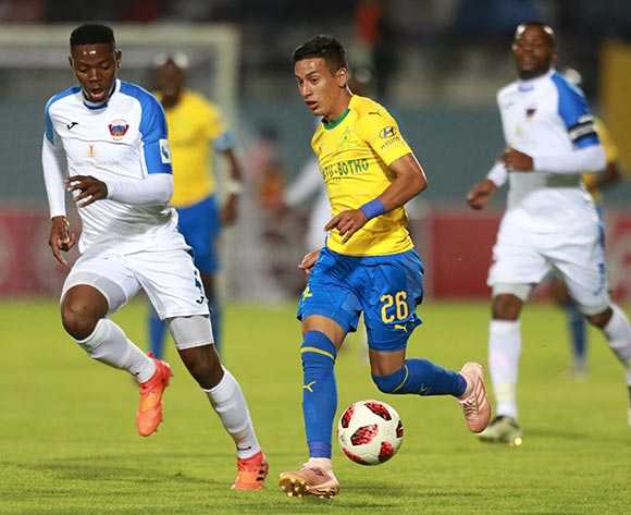 Gaston Sirino of Mamelodi Sundowns and Zitha Macheke of Chippa United during the Absa Premiership 2018/19 match between Chippa United and Mamelodi Sundowns at Sisa Dukashe Stadium,Mdantsane,East London on 27 October 2018 ©/BackpagePix