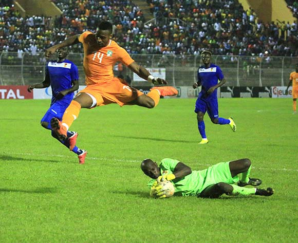 Kodjia Jonathan of Ivory Coast (top) vies for the ball with Lambet Geoffrey from Central African Republic during the African Cup of Nations CAN 2019 qualification football match between Ivory Coast and Central African Republic, at the Stade de la paix in Bouake on October 12, 2018.