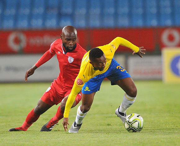 Makhehleni Makhaula of Free State Stars challenges Lebogang Maboe of Mamelodi Sundowns during the Absa Premiership match between Mamelodi Sundowns and Free State Stars on the 07 November 2018 at Loftus Versfeld Stadium  / Pic Sydney Mahlangu/BackpagePix