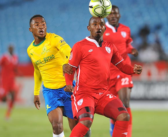 Lebogang Maboe of Mamelodi Sundowns challenges Patrick Phungwayo of Free State Stars during the Absa Premiership match between Mamelodi Sundowns and Free State Stars on the 07 November 2018 at Loftus Versfeld Stadium  / Pic Sydney Mahlangu/BackpagePix