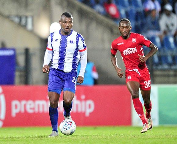 Mohau Mokate of Maritzburg United challenged by Peter Shalulile of Highlands Park during the Absa Premiership 2018/19 match between Maritzburg United and Highlands Park at Harry Gwala Stadium, Pietermaritzburg on 09 November 2018 ©Samuel Shivambu/BackpagePix