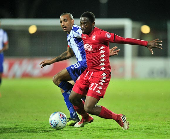 Moeketsi Sekola of Highlands Park challenged by Deolin Mekoa of Martizburg United during the Absa Premiership 2018/19 match between Maritzburg United and Highlands Park at Harry Gwala Stadium, Pietermaritzburg on 09 November 2018 ©Samuel Shivambu/BackpagePix