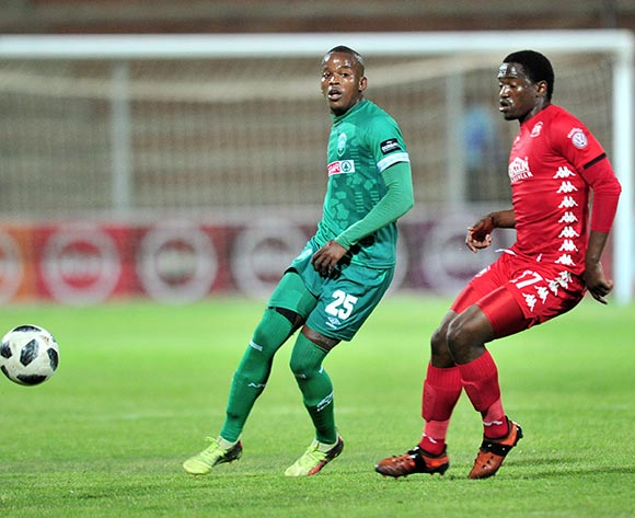 Phumlani Gumede of AmaZulu challenged by Moeketsi Sekola of Highlands Park during the Absa Premiership 2018/19 match between Highlands Park and AmaZulu at Makhulong Stadium, Johannesburg on 27 November 2018 ©Samuel Shivambu/BackpagePix