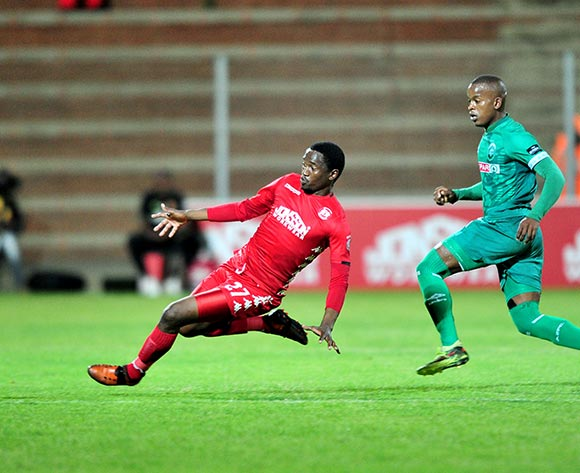 Moeketsi Sekola of Highlands Park challenged by Phumlani Gumede of AmaZulu during the Absa Premiership 2018/19 match between Highlands Park and AmaZulu at Makhulong Stadium, Johannesburg on 27 November 2018 ©Samuel Shivambu/BackpagePix