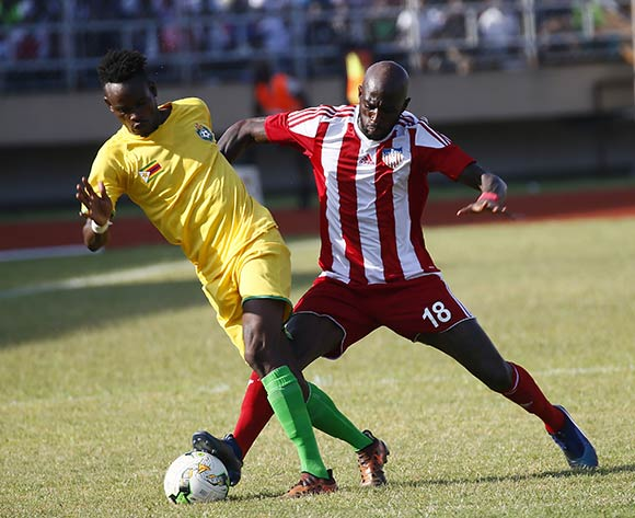 Anthony Lanfor(R) (Liberia) in action with Zimbabwean Defender during AFCON 2019 qualifier match between Liberia and Zimbabwe at the Samuel Kanyon Doe Sport Complex in Paynesville, outside Monrovia, Liberia. 18th November 2018. Liberia 1 Zimbabwe 0