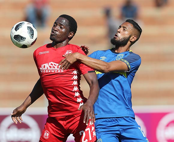 Moeketsi Sekola of Highlands Park controls ball away from Taariq Fielies of CT City during the Absa Premiership 2018/19 football match between Highlands Park and Cape Town City at Makhulong Stadium, Tembisa on 01 December 2018 ©Gavin Barker/BackpagePix