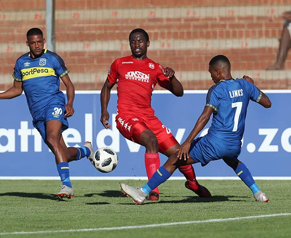 Moeketsi Sekola of Highlands Park challenged by Gift Links of CT City (r) during the Absa Premiership 2018/19 football match between Highlands Park and Cape Town City at Makhulong Stadium, Tembisa on 01 December 2018 ©Gavin Barker/BackpagePix
