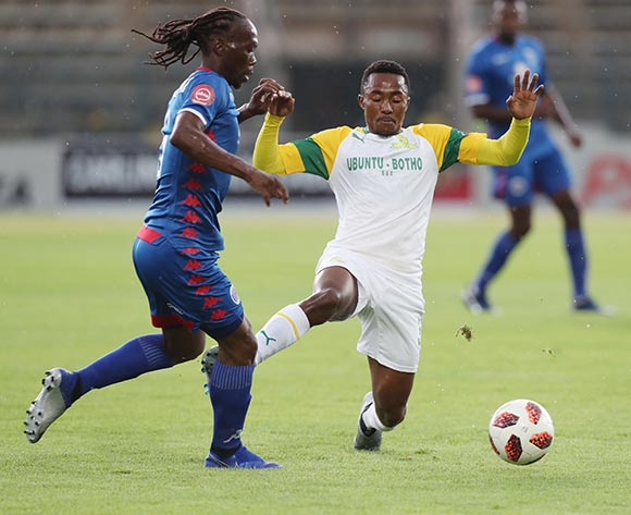 Lebohang Maboe of Sundowns challenged by Reneilwe Letsholonyane during the Absa Premiership 2018/19 football match between Supersport United and Sundowns at Lucas Moripe Stadium, Pretoria on 02 December 2018 ©Gavin Barker/BackpagePix