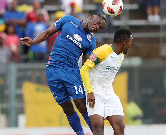 Onismor Bhasera of Supersport wins header against Lebohang Maboe of Sundowns during the Absa Premiership 2018/19 football match between Supersport United and Sundowns at Lucas Moripe Stadium, Pretoria on 02 December 2018 ©Gavin Barker/BackpagePix