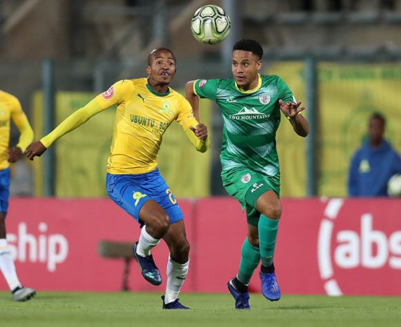 Thapelo Morena of Mamelodi Sundowns clears ball from Jemondre Dickens of Baroka during the Absa Premiership 2018/19 match between Mamelodi Sundowns and Baroka FC at the Lucas Moripe Stadium, Atteridgeville on 11 December 2018 ©Muzi Ntombela/BackpagePix