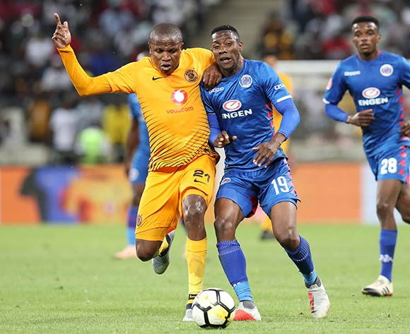 Evans Rusike of Supersport United challenged by Lebogang Manyama of Kaizer Chiefs during the Absa Premiership 2018/19 match between Kaizer Chiefs and Supersport United at the Mbombela Stadium, Nelspruit on 12 December 2018 ©Muzi Ntombela/BackpagePix
