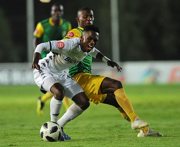 Thabang Monare of Bidvest Wits is challenged by Nduduzo Nduduzo Sibiya of Golden Arrows  during the Absa Premiership match between Bidvest Wits and Golden Arrows  on the 12 December 2018 at Bidvest Stadium   / Pic Sydney Mahlangu/BackpagePix