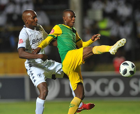 Lehlognolo Nonyane of Bidvest Wits is challenged by Nduduzo Nduduzo Sibiya of Golden Arrows  during the Absa Premiership match between Bidvest Wits and Golden Arrows  on the 12 December 2018 at Bidvest Stadium   / Pic Sydney Mahlangu/BackpagePix
