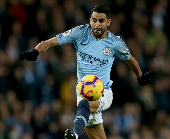 WATCH: Mahrez takes on Ederson at City training