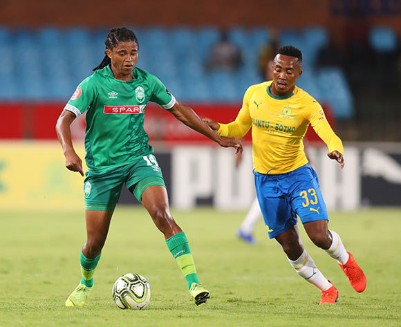 Siyethemba Sithebe of AmaZulu challenged by Lebohang Maboe of Mamelodi Sundowns during the the Absa Premiership 2018/19 match between Mamelodi Sundowns and AmaZulu at Loftus Versfeld Stadium, Johannesburg on 29 January 2019 ©Samuel Shivambu/BackpagePix