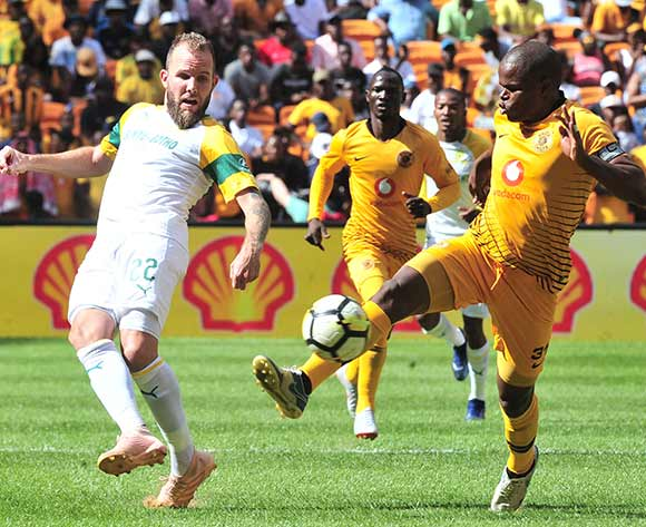 Jeremy Brockie of Mamelodi Sundowns challenged by Willard Katsande of Kaizer Chiefs during the Absa Premiership 2018/19 match between Kaizer Chiefs and Mamelodi Sundowns at FNB Stadium, Johannesburg on 05 January 2019 ©Samuel Shivambu/BackpagePix