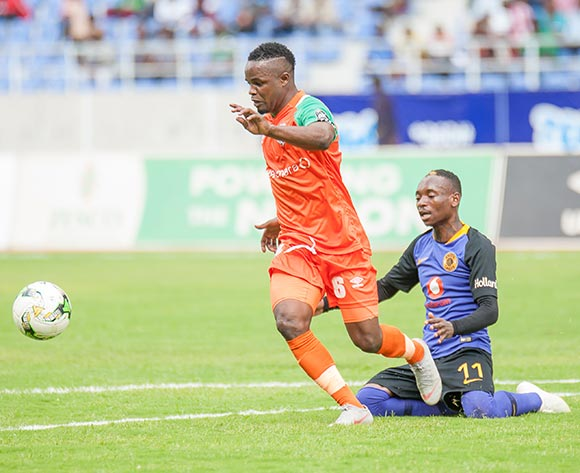 Simon Silwimba of Zesco United FC beats Khama Billiat of Kaizer Chiefs to the ball during the CAF Confederations Cup 2018/19 game between Zesco United FC and Kaizer Chiefs at Levy Mwanawasa Stadium,Ndola,Zambia on 13 January 2019 © Sid Kalunga/BackpagePix