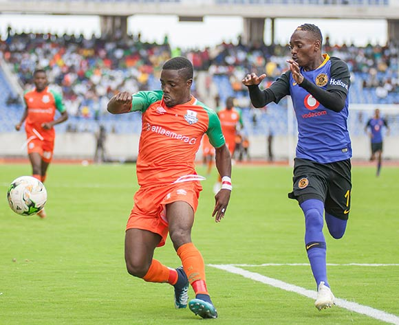 Zesco United FC defender shields the ball from Kaizer Chiefs striker Khama Billiat during the CAF Confederations Cup 2018/19 game between Zesco United FC and Kaizer Chiefs at Levy Mwanawasa Stadium,Ndola,Zambia on 13 January 2019 © Sid Kalunga/BackpagePix