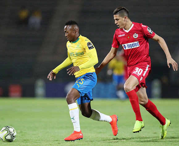 Lebohang Maboe of Mamelodi Sundowns challenged by Mohammed Nahiri of Wydad during the 2019 TOTAL CAF Champions League match between Mamelodi Sundowns and Wydad at the Lucas Moripe Stadium, Atteridgeville on the 19 January 2019 ©Muzi Ntombela/BackpagePix