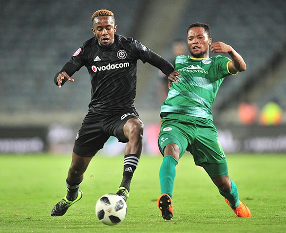 Goodman Mosele of Baroka challenged by Linda Mtambo of Orlando Pirates during the Absa Premiership 2018/19 match between Orlando Pirates and Baroka at Old Orlando Stadium, Johannesburg on 22 January 2019 ©Samuel Shivambu/BackpagePix