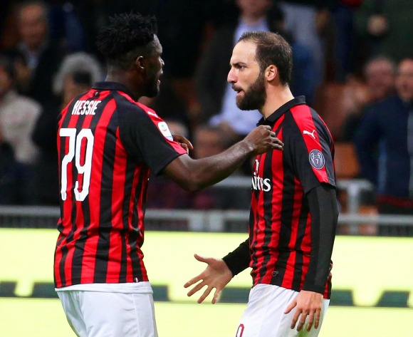 Franck Kessie wants Gonzalo Higuain to stay with Milan
