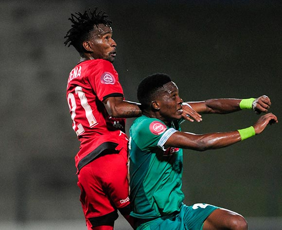 Luckyboy Mokoena of Highlands Park gets higher than OSubsiso Mobilise of AmaZulu FC during the Absa Premiership 2018/19 game between AmaZulu FC and Highlands Park at King Zwelithini Stadium, Durban on 12 January 2019 ©Gerhard Duraan/BackpagePix