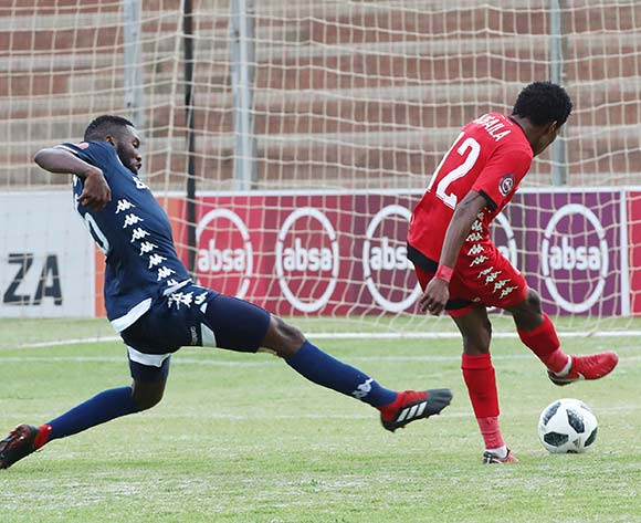 Mokete Mogaila of Highlands Park evades challenge from Buhle Mkhwanazi of Bidvest Wits to score during the Absa Premiership 2018/19 football match between Highlands Park and Bidvest Wits at Makhulong Stadium, Tembisa on 09 February 2019 ©Gavin Barker/BackpagePix