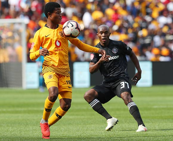 Happy Mashiane of Kaizer Chiefs challenged by Asavela Mbekile of Orlando Pirates during the Absa Premiership 2018/19 match between Kaizer Chiefs and Orlando Pirates at FNB Stadium, Johannesburg on 9 February 2019 ©Samuel Shivambu/BackpagePix