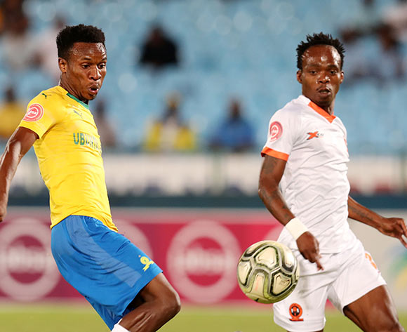 Themba Zwane of Mamelodi Sundowns challenged by Mpho Mvelase of Polokwane City during the Absa Premiership 2018/19 match between Mamelodi Sundowns and Polokwane City at the Loftus Versveld Stadium, Pretoria on the 19 February 2019 ©Muzi Ntombela/BackpagePix