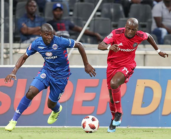 Aubrey Modiba of Supersport United challenged by Musa Nyatama of Orlando Pirates during the Absa Premiership 2018/19 match between Supersport United and Orlando Pirates at the Mbombela Stadium, Nelspruit on the 20 February 2019 ©Muzi Ntombela/BackpagePix