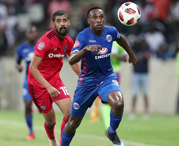 Mxolisi Machupu of Supersport United challenged by Abbubaker Mobara of Orlando Pirates during the Absa Premiership 2018/19 match between Supersport United and Orlando Pirates at the Mbombela Stadium, Nelspruit on the 20 February 2019 ©Muzi Ntombela/BackpagePix