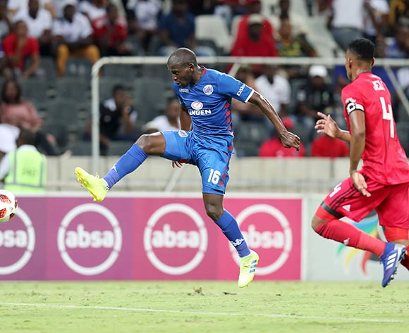 Aubrey Modiba of Supersport United challenged by Happy Jele of Orlando Pirates during the Absa Premiership 2018/19 match between Supersport United and Orlando Pirates at the Mbombela Stadium, Nelspruit on the 20 February 2019 ©Muzi Ntombela/BackpagePix