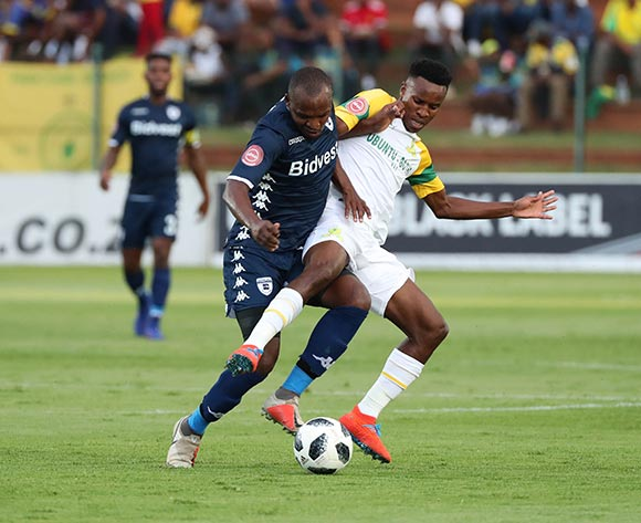 Gift Motupa of Bidvest Wits tackled by Themba Zwane of Sundowns during the Absa Premiership 2018/19 football match between Bidvest Wits and Mamelodi Sundowns at Bidvest Stadium, Johannesburg  on 23 February 2019 ©Gavin Barker/BackpagePix