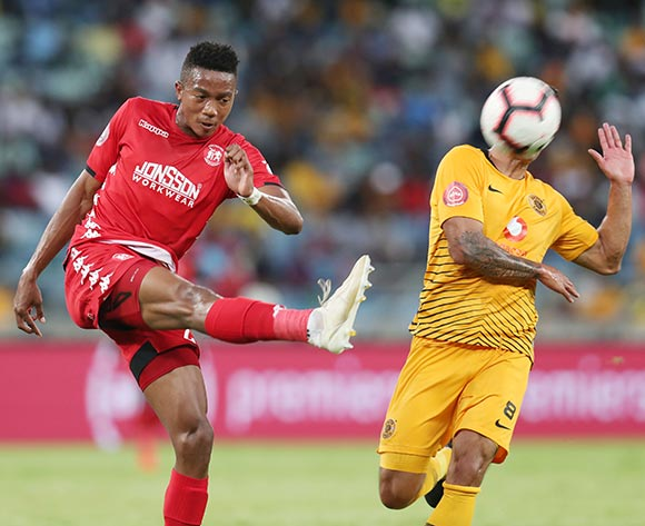 Spiwe Msimango of Highlands Park clears ball from Leonardo Castro of Kaizer Chiefs during the Absa Premiership 2018/19 match between Kaizer Chiefs and Highlands Park at the Moses Mabhida Stadium, Durban on the 02 March 2019 ©Muzi Ntombela/BackpagePix