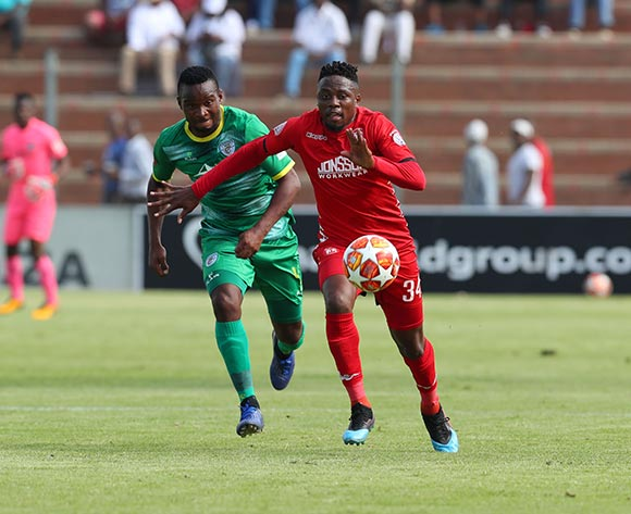 Sello Motsepe of Highlands Park challenged by Siyabonga Vilane of Baroka during the Absa Premiership 2018/19 match between Highlands Park and Baroka at Makhulong Stadium, Johannesburg on 09 March 2019 ©Samuel Shivambu/BackpagePix