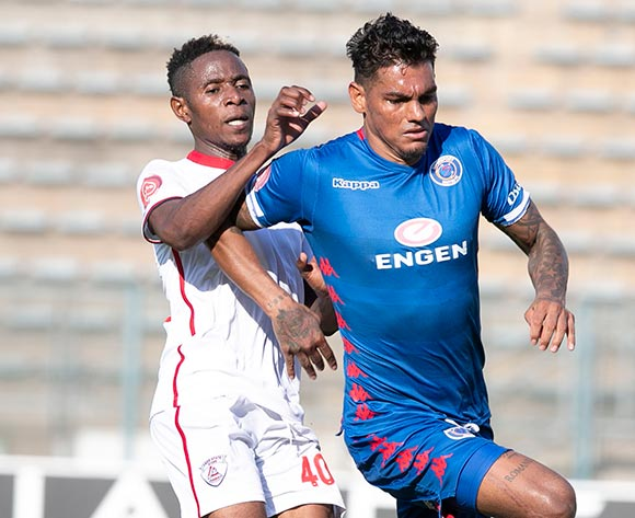 Clayton Daniels of Supersport United challenged by Michelle Katsvairo of Free State Stars during the Absa Premiership 2018/19 match between Supersport United and Free State Stars at Lucas Moripe Stadium, Pretoria on 10 March 2019 ©Samuel Shivambu/BackpagePix